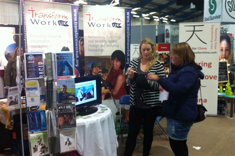 Exhibition Stand Gimmicks : Ros report from momentum transform work uk